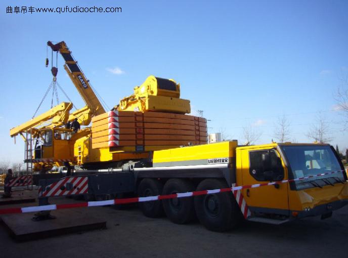 产品名称:利勃海尔 产品类别:汽车吊 产品规格:500吨 产品型号:500T 产品说明: 产地:德国 最大起重能力:500吨